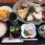 魚や たけ庄 - 焼魚定食