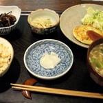 根津の谷 - 日替わり玄米定食