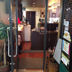 自家焙煎珈琲舎アポ - 2階の店の入口
