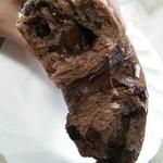 27005306 - チョコベーグル                       中には大量のチョコクリームが(^^)                       ちぎったらこんな感じでちぎれます☆