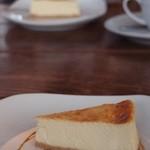 27006957 - チーズケーキ、絶品だよ