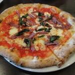 ナポリピッツァ Pizzeria la Rossa - サラミ