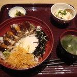 2701545 - 日南鶏炙りステーキ丼\1,000