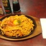 ドルチェ - 料理写真:「鉄板ナポリタン」780円