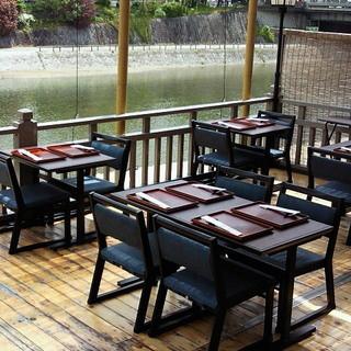 京都夏の風物詩【鴨川納涼床】ご予約受付中です!