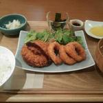 ラハン - キャベツ入りメンチカツ定食(イカリング付)