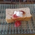 香珈 Beans&Cafe - いちごチーズケーキ