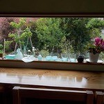 香珈 Beans&Cafe - 窓際カウンター席からの眺め