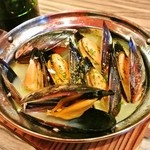 ルガリーコ - ムール貝の白ワイン蒸し 750円