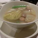 南国酒家 - ナントカ野菜とナントカのスープ・・(;´∀`)