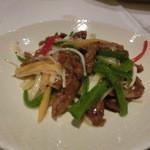 南国酒家 - 黒毛和牛と「春」彩り五種野菜の細切り黒胡椒風味