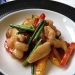 27018818 - ランチコースの海老、彩り野菜の柚子胡椒炒め