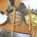 天ぷら徳家 - 徳家定食 740円 食べ放題 キムチ・イカの塩辛・大根おろし 【 2014年5月 】
