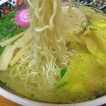 夏堀 - 塩ワンタンメンの麺