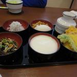 小嶋屋 - おつまみ五菜 810円