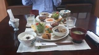 かふぇ植田 - 今日のプレートはかぼちゃのコロッケと筑前煮でした