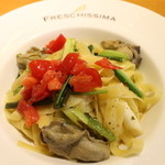 フレスキッシマ - 宮古産カキと春の山菜のバターソース