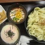 とろとん - 2014/4 平打麺のつけ麺 トマトチーズ・明太クリーム