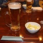 長五郎 - 生ビールとお通しキャベツ