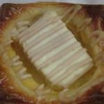 ブーランジュリー グリフォン - クリームチーズ、アップ!