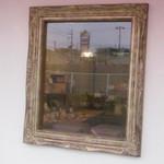 ブーランジュリー グリフォン - 窓がガクブチになってます