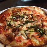 天使の台所 - キノコと明太子のピザ
