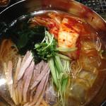 大黒戎 - 冷麺。この冷麺なかなか美味しかったです。 ただ氷少なくてぬるかったです笑