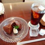 ふたみ - チョコレートシフォン、コーヒー (アイス)