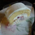 27042509 - ロールケーキ