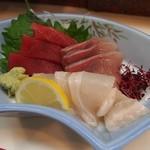 梅田 吉野寿司 - お造り盛り合わせ