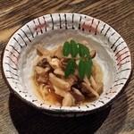 ツキトカゲ新町店 - キノコのおろしポン酢和え(お通し)