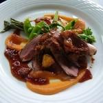 リューバンカフェ - シェフ自慢の肉料理(マグレ・ド・カナールのロースト オレンジの香り)