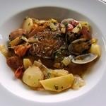 リューバンカフェ - シェフ自慢の魚介料理(白身魚のポルトケーズ)