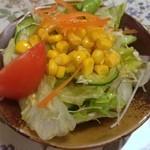 ミートギャラリー エチゴヤ - セットのサラダ