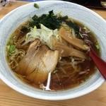 四川料理 新中華 - 料理写真:醤油ラーメン