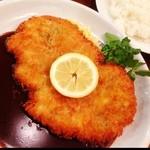 洋食亭ブラームス - お昼は、三元豚のヒレカツ!(^ー^)ノご飯大盛りと共に( ̄▽ ̄) ここの洋食屋さん、ちゃんとしたお店で好感が持てました(^○^) また来ます(^_^)