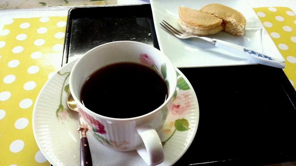 長屋門cafe いわさき花門