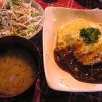 山麓キッチン - 高菜オムライス(サラダ、小鉢、おみそ汁付き)