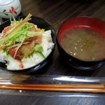 朝市さかば - 2014年5月5日(月・祝) 能登丼(みそ汁付)700円