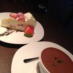 27065926 - ケーキとティラミス