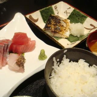 【米・肴・旬菜の三本柱】産直鮮魚と旬野菜で季節を楽しむ