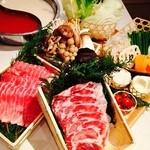 しゃぶ×バル TAMARI - 料理写真:肉セット、野菜盛合せ