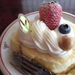 27069802 - 本日のスペシャルロールケーキ