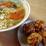 同福堂 - 広東麺と鶏唐揚(4個);唐揚,デカす (^^;) @2014/05/07