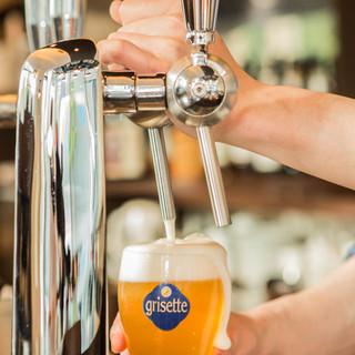 10種類の厳選したクラフトビールと、ベルギービール樽生