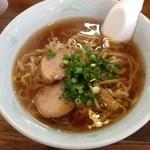 豚珍 - 料理写真:手打ちラーメン600円