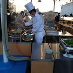 27079085 - タカシマヤ屋上 アサヒビアガーデンの料理ブース、やきとり!(14.05