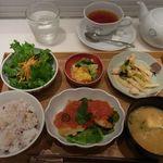 27081953 - 栗原さんちのえらべるお昼ごはん1575円