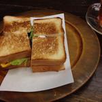 たかしまコーヒー店 - 卵と野菜のサンドウィッチ