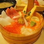 27082468 - 八色海鮮丼